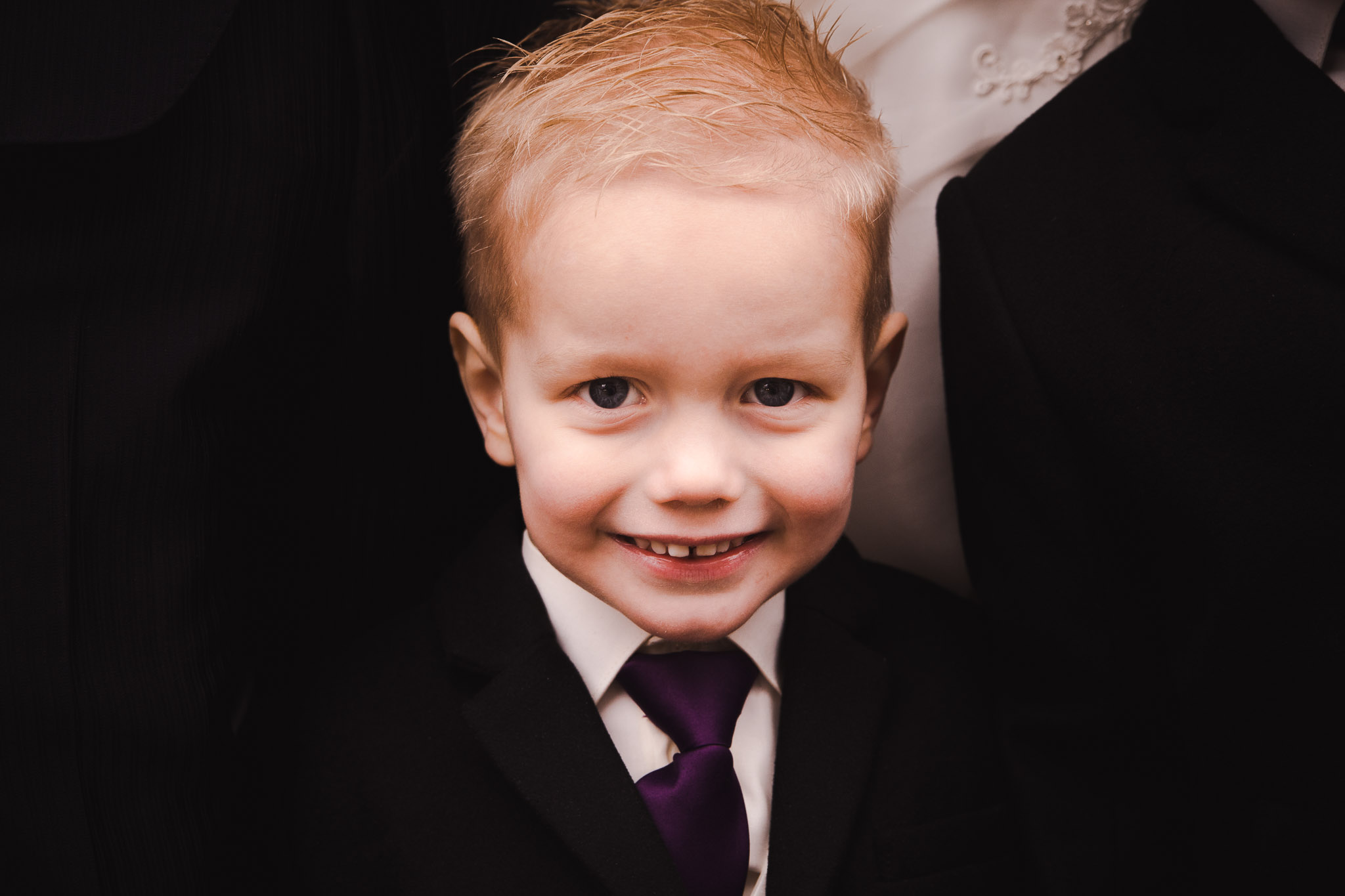 bruiloft veendam reportage anouk hilko zoontje portret