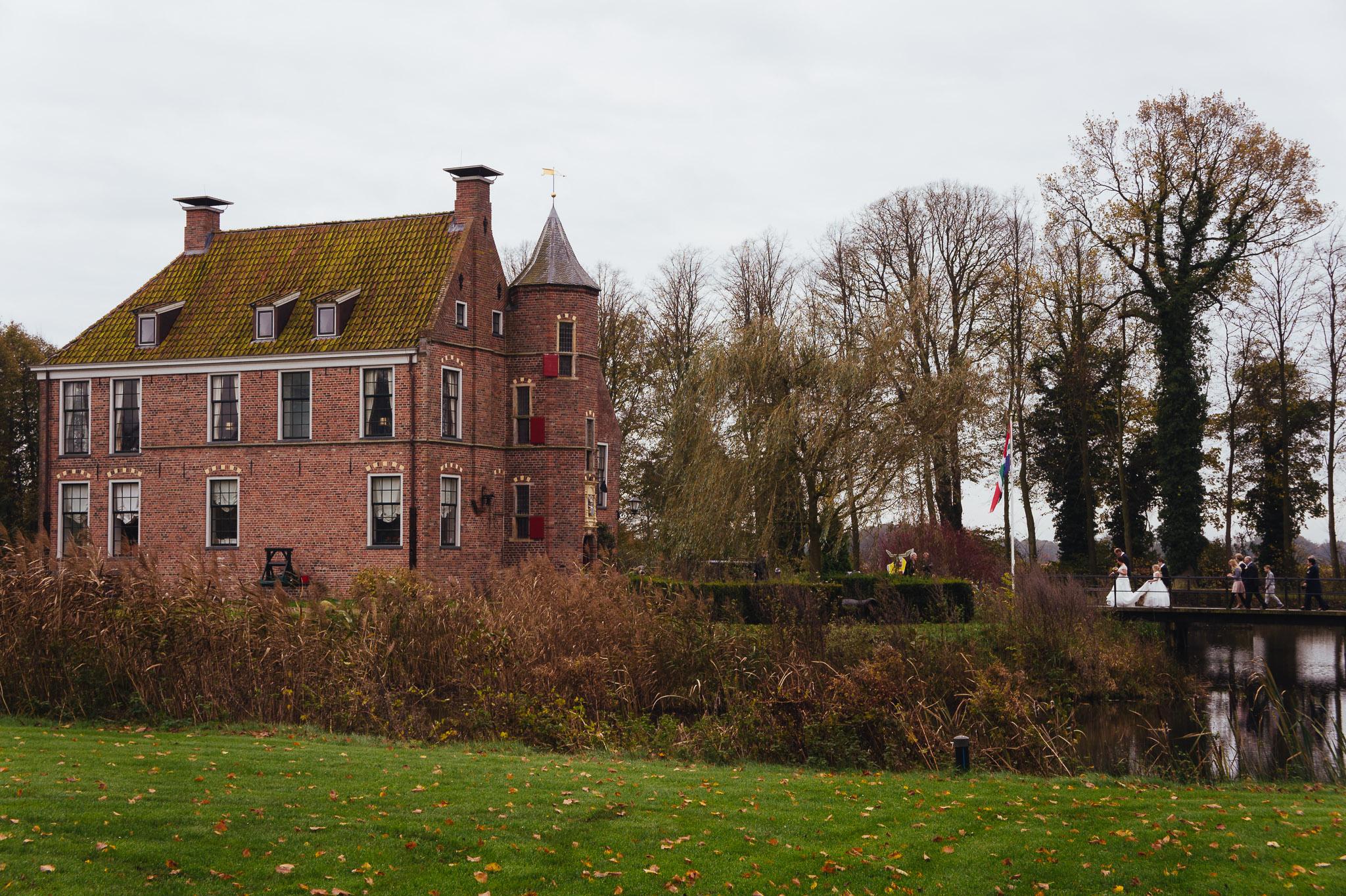 Trouwen in Groningen Burcht Wedde Bruiloft Henriette en Erwin
